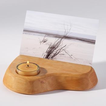 Dřevěný stojánek na fotografie - se svíčkou