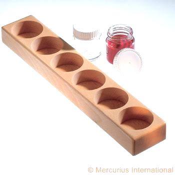 Dřevěný stojan na 6 uzavíratelných nádobek