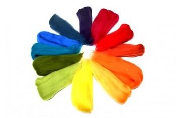DOBRODĚJ Ovčí vlna merino barvená česaná 50g - mix 12 barev duhového spektra