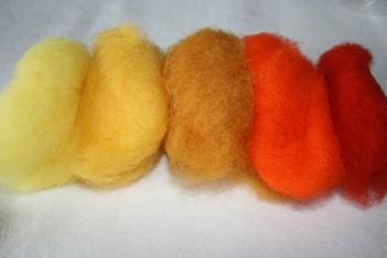 Ovčí vlna merino barvená mykaná - mix 5 žlutých barev - 20 g