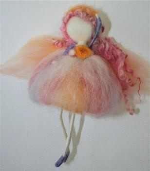 DOBRODĚJ Elfinka z ovčího rouna - Tanečnice