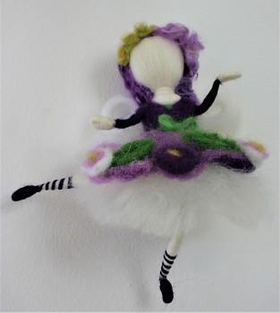 DOBRODĚJ Elfinka z ovčího rouna - Jemná síla violek