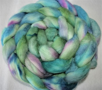 DOBRODĚJ Česané rouno jemné 10 g - ručně barvené - fialkovo-modré