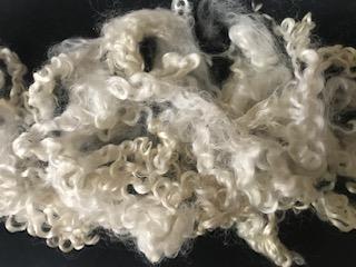 DOBRODĚJ Ovčí vlna vlnitá přírodní 5 g - bílá
