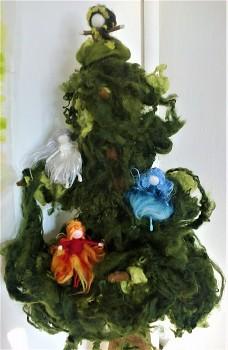 """Workshop """"Jehličnatý strom"""" z ovčího rouna"""