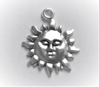 BN Kovový přívěsek slunce s tváří - starostříbro