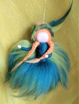 DOBRODĚJ Elfinka - ochránkyně ptačích pírek
