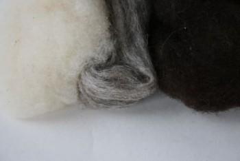 Ovčí vlna přírodní - mix bílá/šedá/černá - 20 g