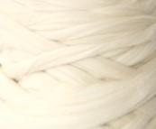 Ovčí vlna přírodní česaná 10 g - jemná - bílá