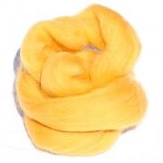 Ovčí vlna barvená česaná 10g - jemná - 32 zlatě žlutá